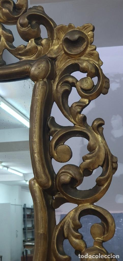 Antigüedades: ESPEJO CORNUCOPIA DE MADERA DORADA Y TALLADA - 1,09 X 69 CM. - Foto 3 - 252283265