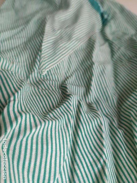 Antigüedades: Antiguo delantal mandil de tela a rayas con bordados. Dos bolsillos - Foto 3 - 252319925