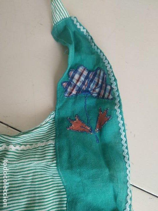 Antigüedades: Antiguo delantal mandil de tela a rayas con bordados. Dos bolsillos - Foto 7 - 252319925