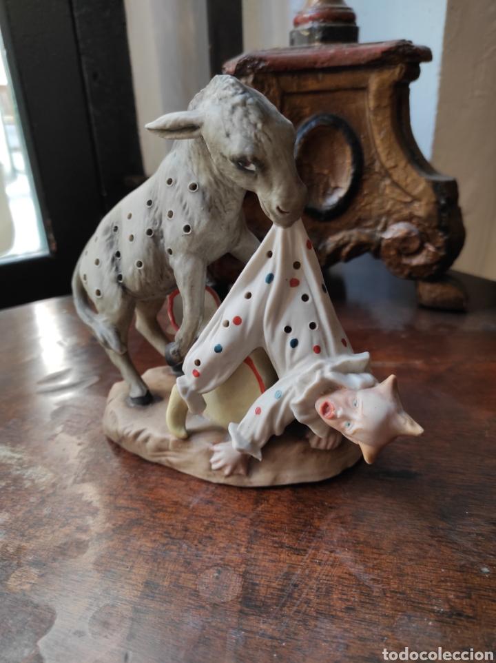 Antigüedades: Antiguo Palillero de Porcelana - Humor - Burro Mordiendo a Payaso - Arlequín - - Foto 2 - 252355970