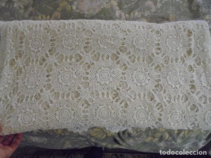 Antigüedades: BONITA COLCHA DE GANCHILLO MIDE 2,93 X 176 .-TIENE ALGUN DEFECTO VER FOTOS - Foto 41 - 252374440
