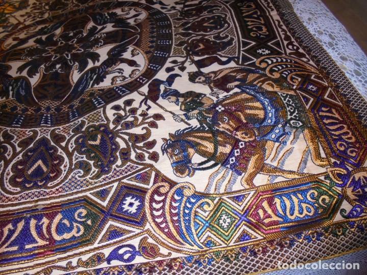 Antigüedades: ANTIGUA MANTA COLCHA ??? CON MOTIVOS ARABES MIDE 1,48 X 1,40 VER FOTOS - Foto 7 - 252378440