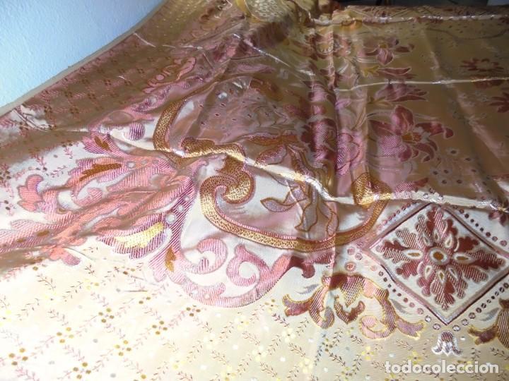 Antigüedades: ANTIGUA COLCHA BORCADA MIDE 1,71 X 2,60 COMO NUEVA - Foto 8 - 252385770