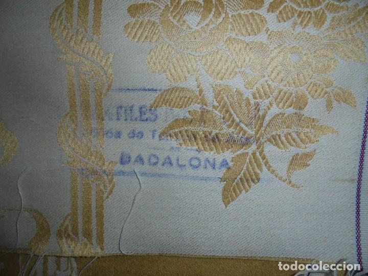 Antigüedades: GRAN RETAL ALGODON ADAMASCADO AMARILLO ORO INDUMENTARIA, TAPICERIAS 4,47 M DE LARGO X 1,63 ANCHO - Foto 4 - 252387060
