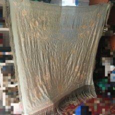 Antiquités: ANTIGUO MANTON DE MANILA CHINO .MIDE 1.70 CM ×1.70 CM. Lote 252492220