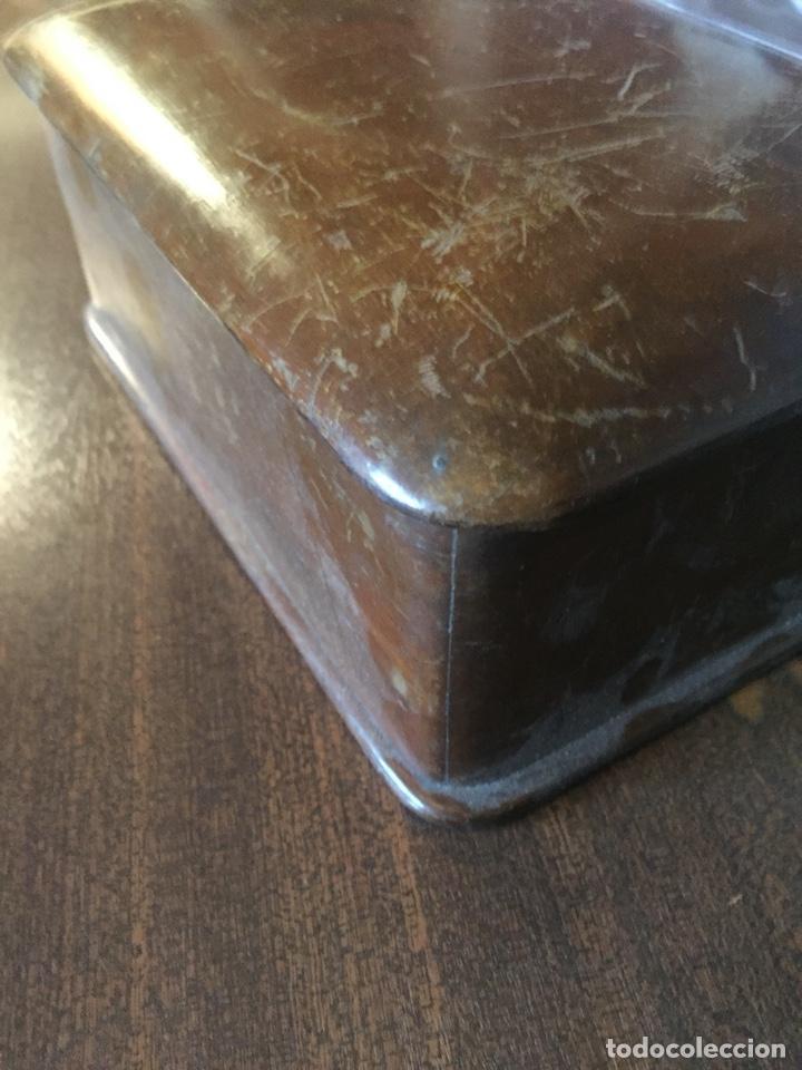 Antigüedades: Antigua caja de madera, con tapa buen trabajo de marquetería - Cantos redondeados - Ppios. siglo XX - Foto 3 - 252501055