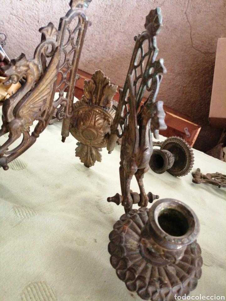 Antigüedades: Lote de 7 apliques de bronce portavelas - Foto 13 - 252151335