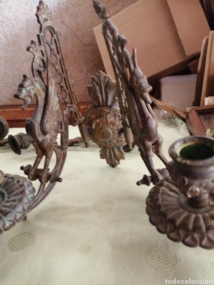 Antigüedades: Lote de 7 apliques de bronce portavelas - Foto 14 - 252151335