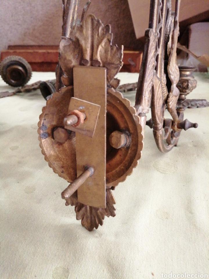Antigüedades: Lote de 7 apliques de bronce portavelas - Foto 16 - 252151335