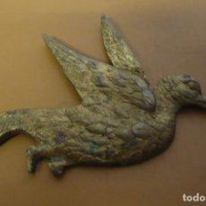 Antigüedades: FIGURA PALOMA LATON. Lote 252581395