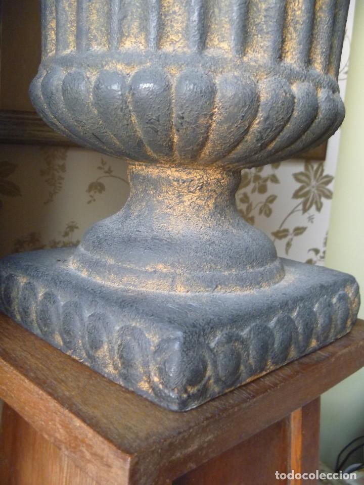 Antigüedades: ANTIGUO MACETERO URNA HIERRO ESTILO COPA MEDICI PRECIOSA PATINA IDEAL DECORACIÓN - Foto 15 - 252608650