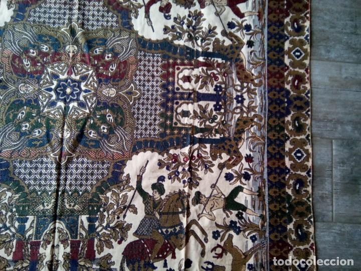 Antigüedades: TAPETE BROCADO. COBERTOR. 1,45M. (Rf:58/e) - Foto 5 - 252617045