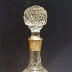 Antiquités: LICORERA DE VIDRIO TALLADO Y GRABADO A LA RUEDA.. Lote 252617430