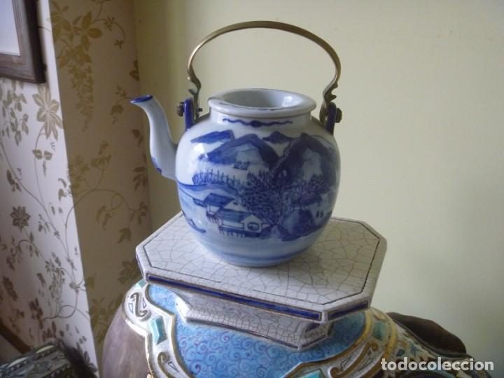 CAFETERA CHINA TETERA ANTIGUA SIGLO XIX PAISAJE TONO AZUL (Antigüedades - Porcelanas y Cerámicas - China)