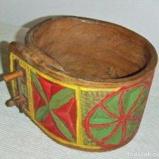 Antiquités: ANTIGUO COLLAR DE MADERA DE CENCERRO. ARTE PASTORIL. Lote 252668060