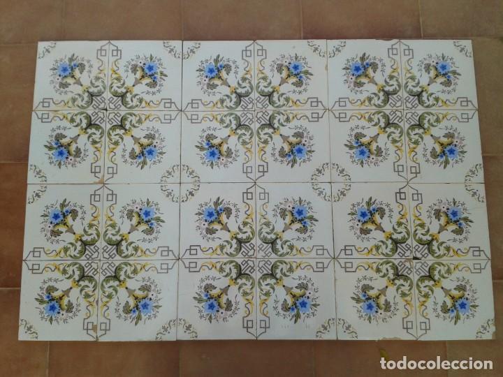 P15 24 AZULEJOS MODERNISTAS PANEL BANCO ENCIMERA PARED MURO MESA PILAR (Antigüedades - Porcelanas y Cerámicas - Azulejos)