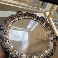 Antigüedades: ANTIGUA BANDEJA CON BAÑO DE PLATA. Lote 252808155