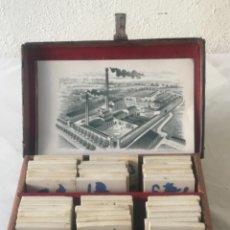 Antiquités: MUESTRARIO DE SUELO HIDRÁULICO AZULEJOS JAIME LLEVAT ANTES HIJOS ISIDRO LLEVAT REUS PRINCIPIOS S.XX. Lote 252904370