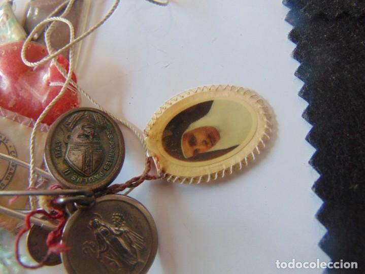 Antigüedades: LOTE DE ESCAPULARIOS, MEDALLAS , RELIQUIAS DE SOR ANGELA DE LA CRUZ - Foto 8 - 252969345