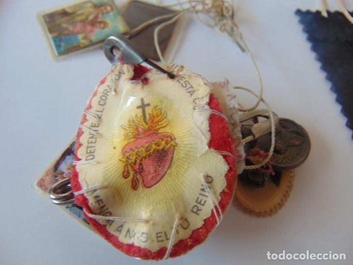 Antigüedades: LOTE DE ESCAPULARIOS, MEDALLAS , RELIQUIAS DE SOR ANGELA DE LA CRUZ - Foto 9 - 252969345