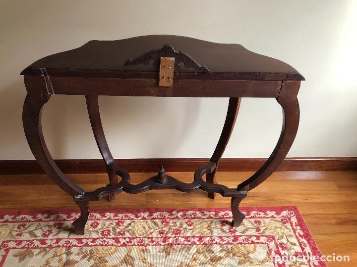 Antigüedades: Consola antigua vintage estilo Luis XV. Mesa de pared. Faldón con decoración tallada. - Foto 2 - 253015050