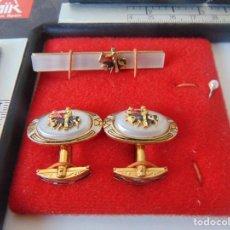 Antigüedades: PAREJA DE GEMELOS Y PISACORBATAS DE TOROS TOREROS , TEMAS TAURINOS TAUROMAQUIA. Lote 253030100