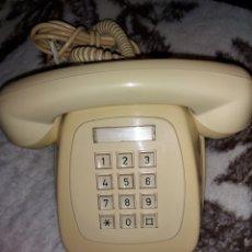Antiguidades: TELÉFONO ANTIGUO DE TECLAS. Lote 253082220