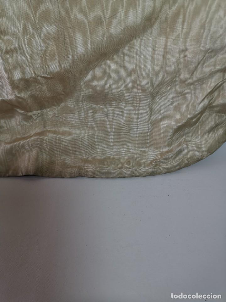 Antigüedades: ANTIGUA CASULLA BROCADO LITURGICO MODELO GUITARRA SEDA ADAMASCADA---VIOLETA-AZUL - Foto 18 - 253092400