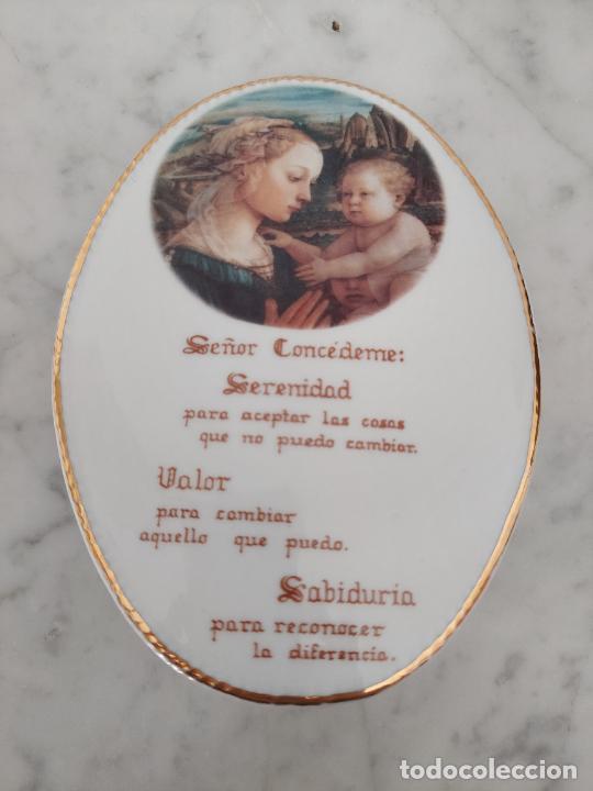 Antigüedades: Oración de la Serenidad en porcelana marca Cister - La Palma - Cartagena - - Foto 2 - 253143230