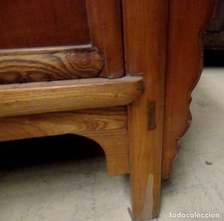 Antigüedades: Aparador bajo chino antiguo realizado en madera de olmo - Foto 5 - 253315350