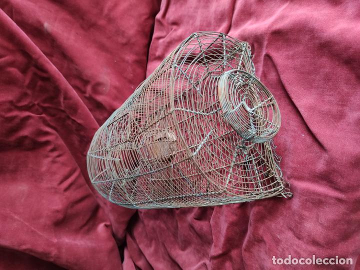 Antigüedades: Ratonera antigua de alambre, artesanal, operativa - Foto 2 - 253349245