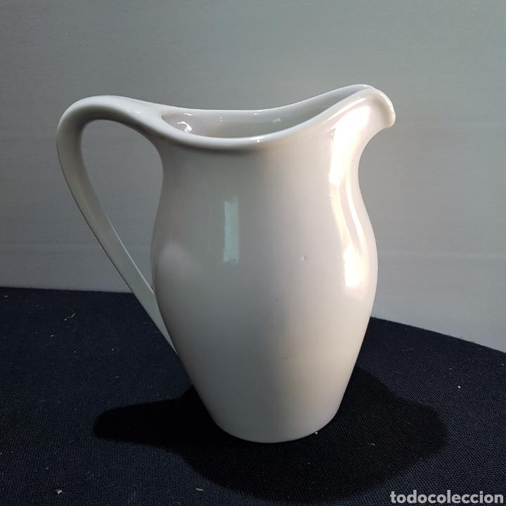 JARRA PARA LA LECHE PORCELANA (Antigüedades - Porcelanas y Cerámicas - Otras)