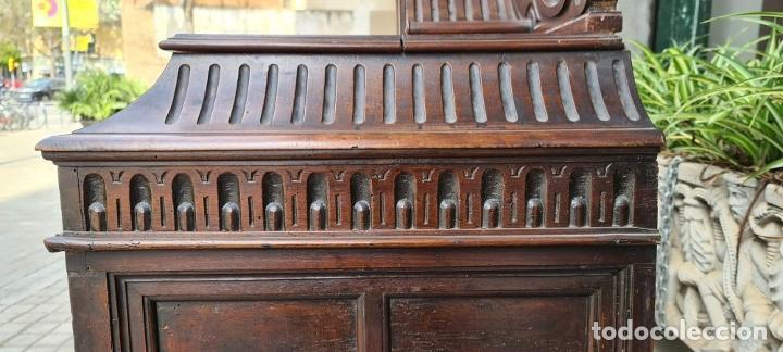 Antigüedades: ARCÓN DE NOVIA CATALÁN DE ESTILO CASSONE. MADERA DE NOGAL TALLADA. SIGLO XVIII. - Foto 26 - 253438390
