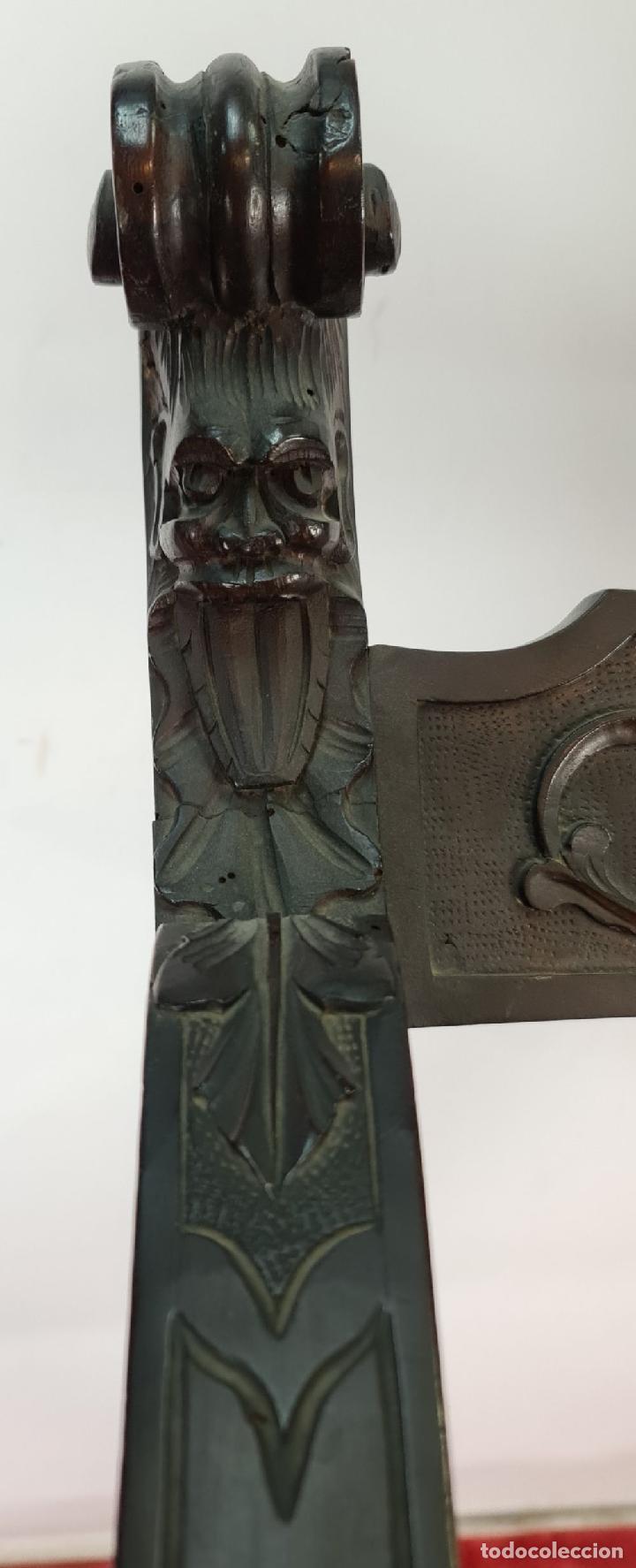 Antigüedades: PAREJA DE SILAS JAMUGA. MADERA DE NOGAL TALLADO. ESTILO BARROCO. SIGLO XIX. - Foto 5 - 253454590
