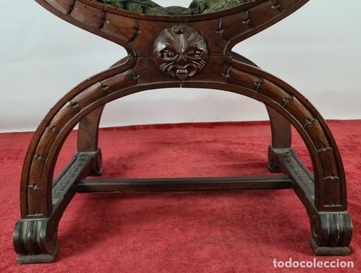 Antigüedades: PAREJA DE SILAS JAMUGA. MADERA DE NOGAL TALLADO. ESTILO BARROCO. SIGLO XIX. - Foto 8 - 253454590
