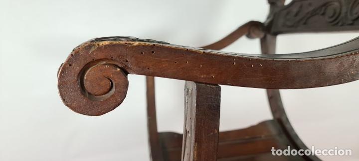Antigüedades: PAREJA DE SILAS JAMUGA. MADERA DE NOGAL TALLADO. ESTILO BARROCO. SIGLO XIX. - Foto 15 - 253454590
