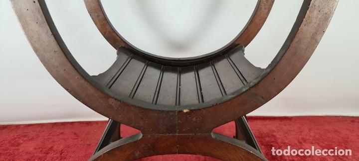 Antigüedades: PAREJA DE SILAS JAMUGA. MADERA DE NOGAL TALLADO. ESTILO BARROCO. SIGLO XIX. - Foto 17 - 253454590
