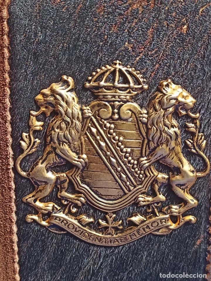 Antigüedades: Decantador Providentiae Memor Vintage de cuero y piel de oso - Foto 14 - 253523290