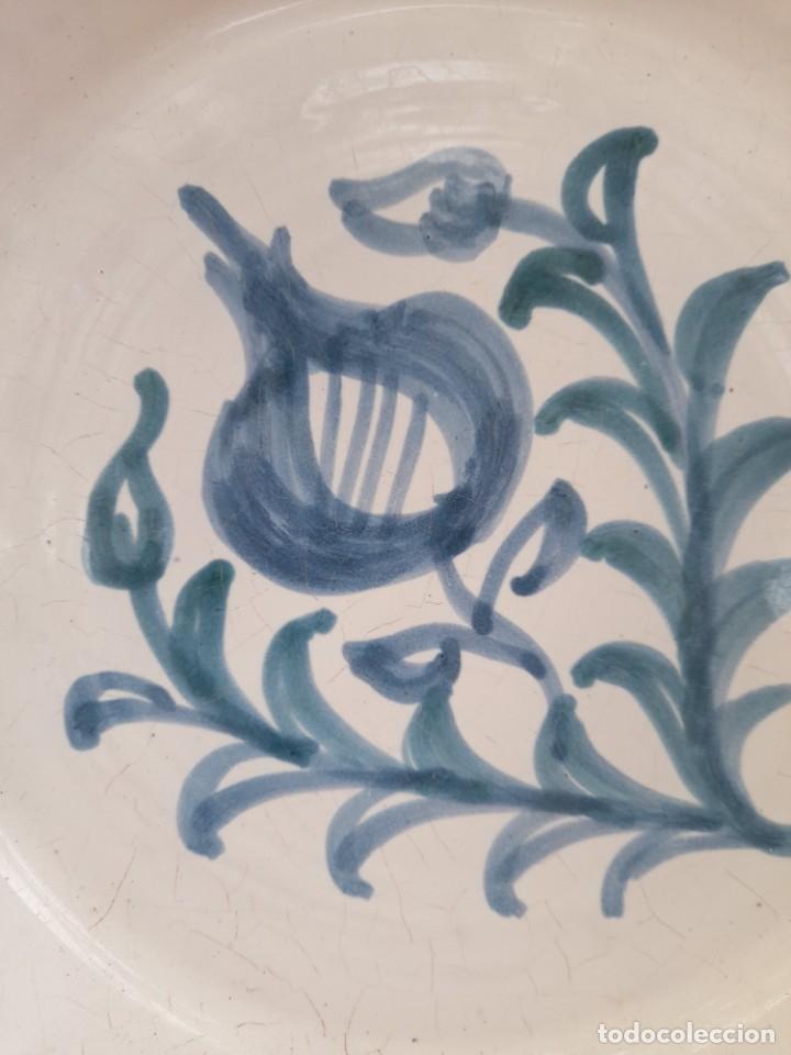 Antigüedades: Gran fuente o lebrillo de ceramica Granada fajalauza primera mitad siglo xx - Foto 3 - 253523810