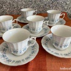 Antigüedades: 6 TAZAS CAFÉ CON LECHE O TÉ + PLATOS, PORCELANA CHINA, DECORACIÓN FLORAL FILO PLATA, SELLO 1970-80S. Lote 253536075