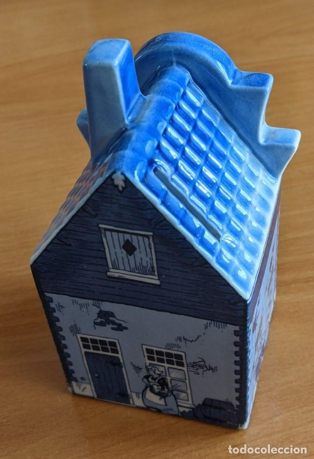 Antigüedades: Hucha casa de cerámica azul de Delft (Holanda). Pintada a mano. - Foto 3 - 253553605