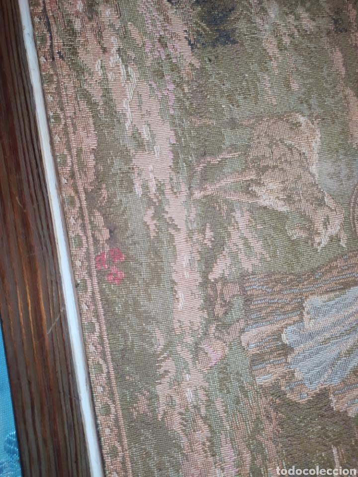 Antigüedades: ANTIGUO TAPIZ ENMARCADO ESCENA PASTORES VACA CHICO CHICA LAGO BOSQUE MONTAÑA PRECIOSO - Foto 6 - 253554005