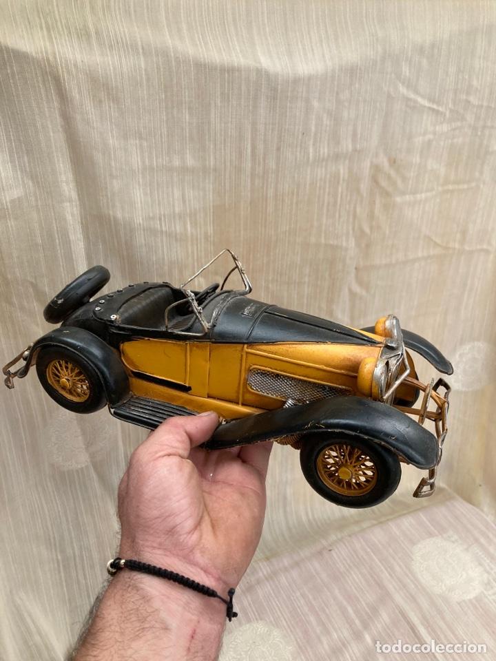 Antigüedades: Bonito coche decorativo de hojalata! - Foto 4 - 253559120