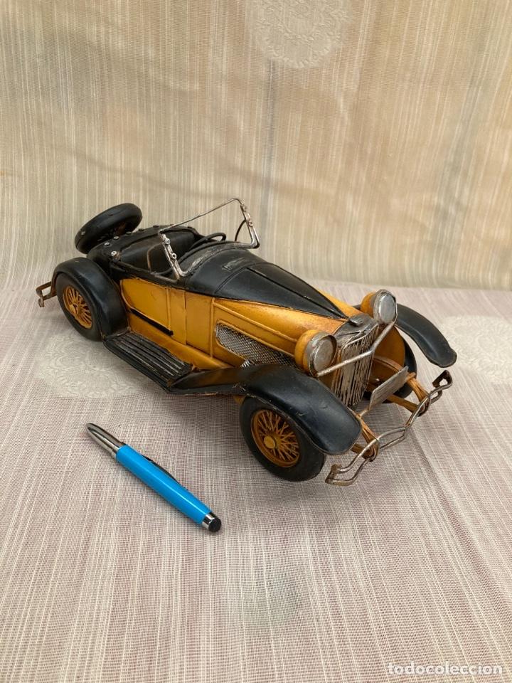 Antigüedades: Bonito coche decorativo de hojalata! - Foto 6 - 253559120