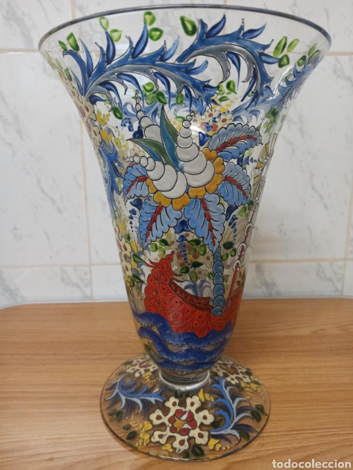 Antigüedades: Jarrón centro de mesa Genís Cirera Cristal Catalán esmaltado Siglo XIX 30,5 cm alto - Foto 2 - 253711905
