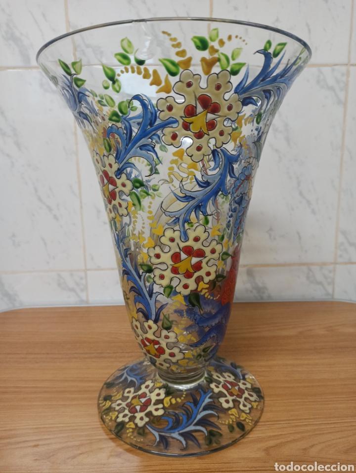 Antigüedades: Jarrón centro de mesa Genís Cirera Cristal Catalán esmaltado Siglo XIX 30,5 cm alto - Foto 3 - 253711905