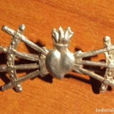 Antiguidades: CORAZÓN CON ESPADAS DE DOLOROSA EN PLATA DE LEY. Lote 253721835