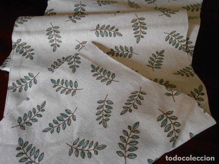 Antigüedades: Juego completo para la mesa. Lino estampado,hojas verdes. 6 piezas.Stock viejo años 80 - Foto 3 - 253730150