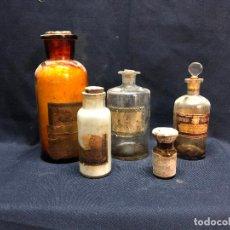 Antiquités: LOTE DE CINCO FRASCOS O BOTES DE FARMACIA. Lote 253734420