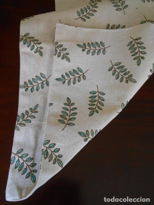 Antigüedades: Juego completo para la mesa. Lino estampado,hojas verdes. 6 piezas.Stock viejo años 80 - Foto 17 - 253730150